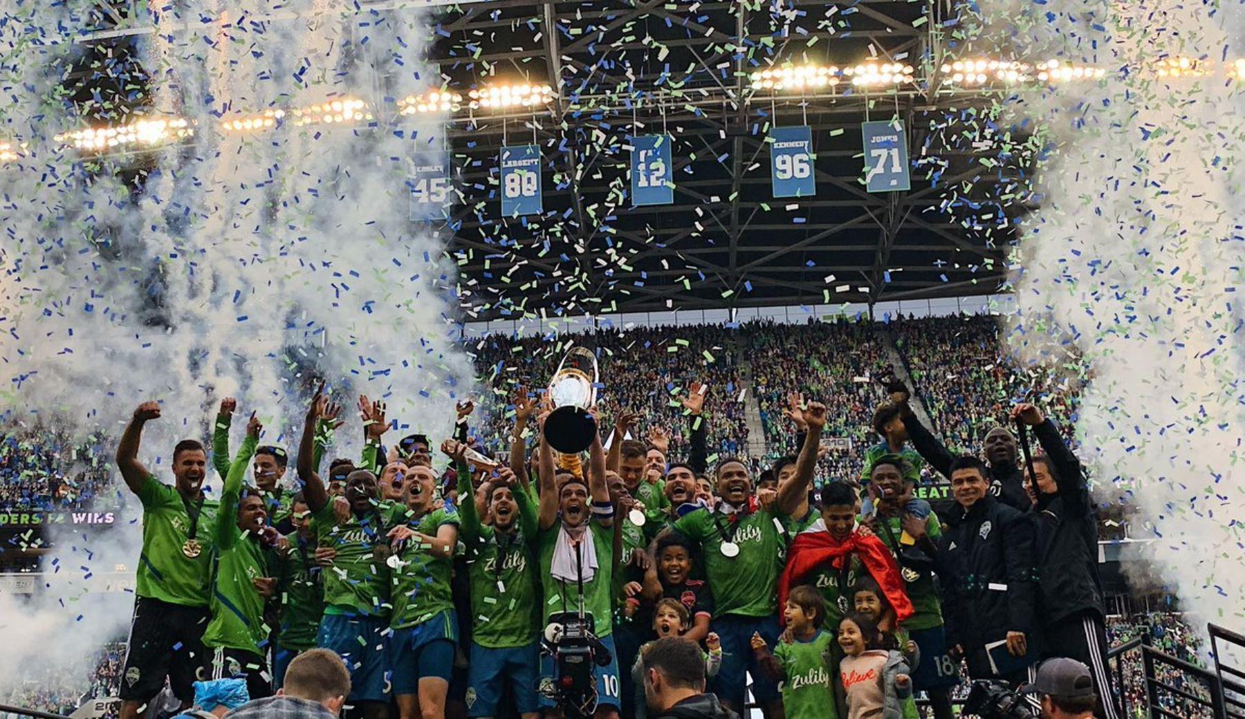 Raúl Ruidíaz se proclama campeón en Estados Unidos