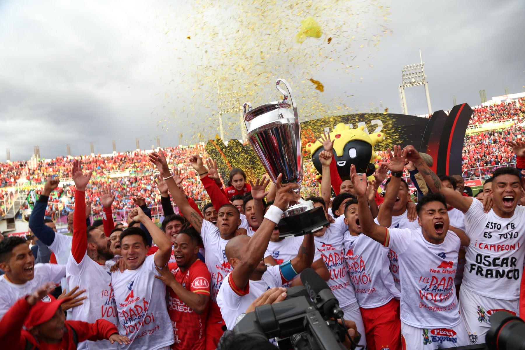 Cienciano se proclamó campeón de la Liga 2 y consolidó su regreso a la Primera División tras cinco año de ausencia