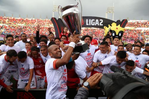 Cienciano del Cusco retorna al  fútbol profesional peruano