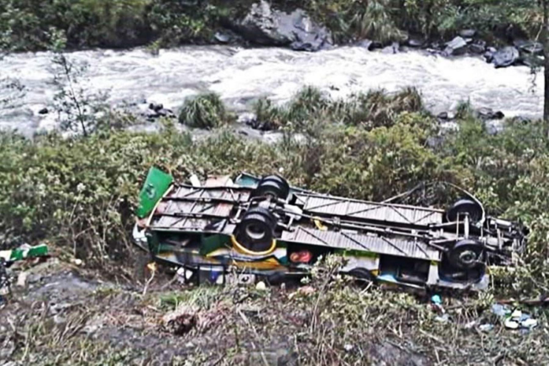 Puno: accidente de tránsito en vía Juliaca-Sandia deja 6 muertos y 37 heridos