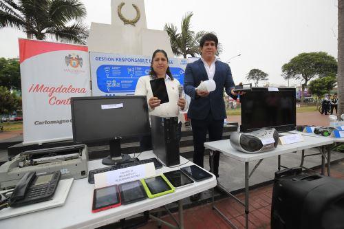 La ministra del Ambiente Fabiola Muñoz y el alcalde de Magdalena Carlomagno Chacón promueven el reciclaje de Residuos de Aparatos Eléctricos y Electrónicos
