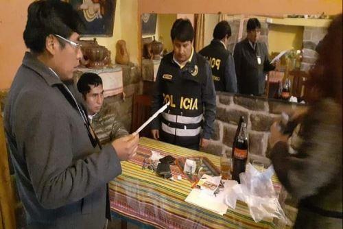 La Fiscalía Especializada en Delitos de Anticorrupción del Cusco, procesa al burgomaestre Flavio Illatinco Yupanqui por el presunto delito de cohecho (en flagrancia), tras detenerlo el fin de semana en la calle Pampa Del Castillo del centro histórico de Cusco.