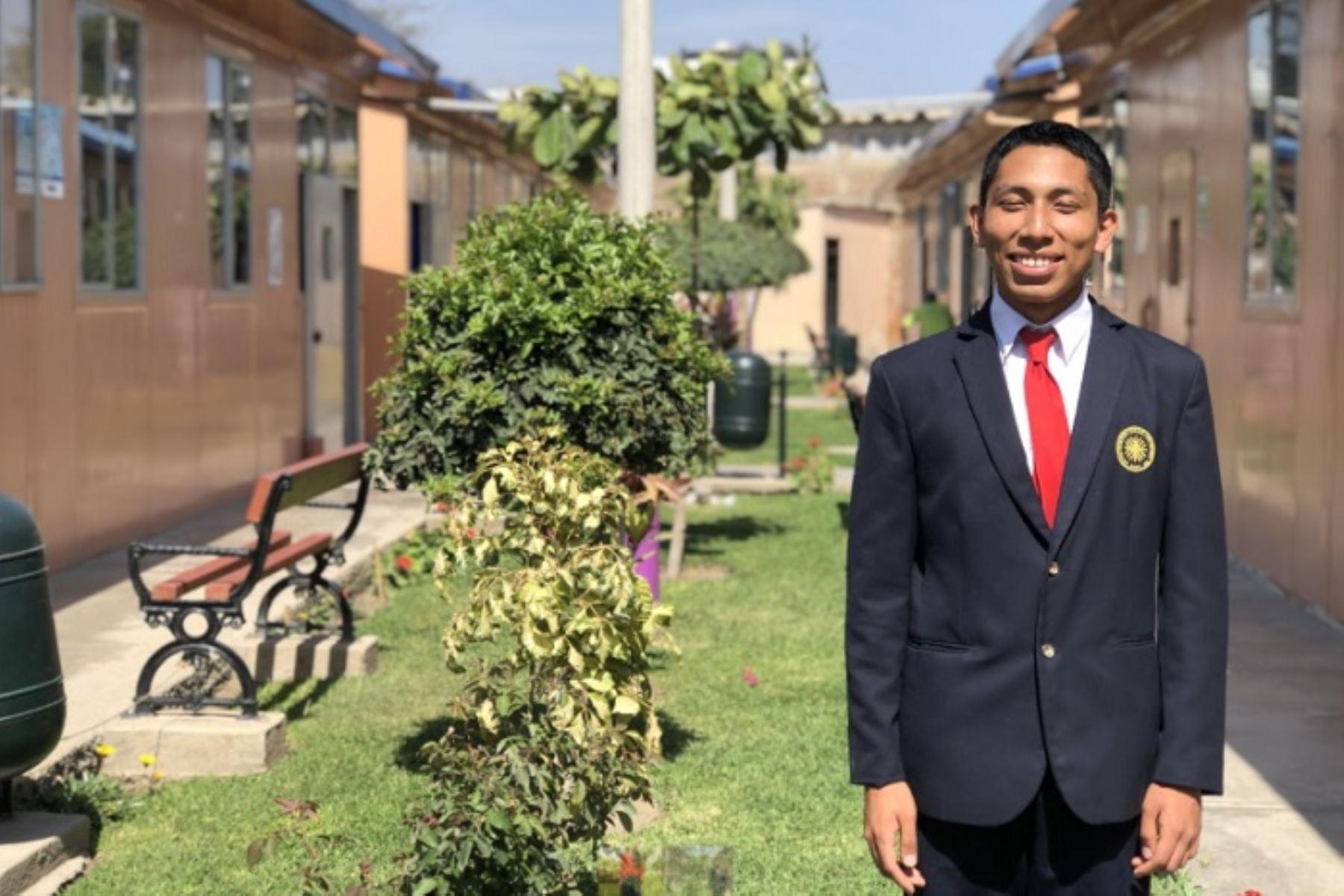 Alumnos de Coar Lambayeque y Ayacucho ganan becas de Universidad de Piura - Agencia Andina