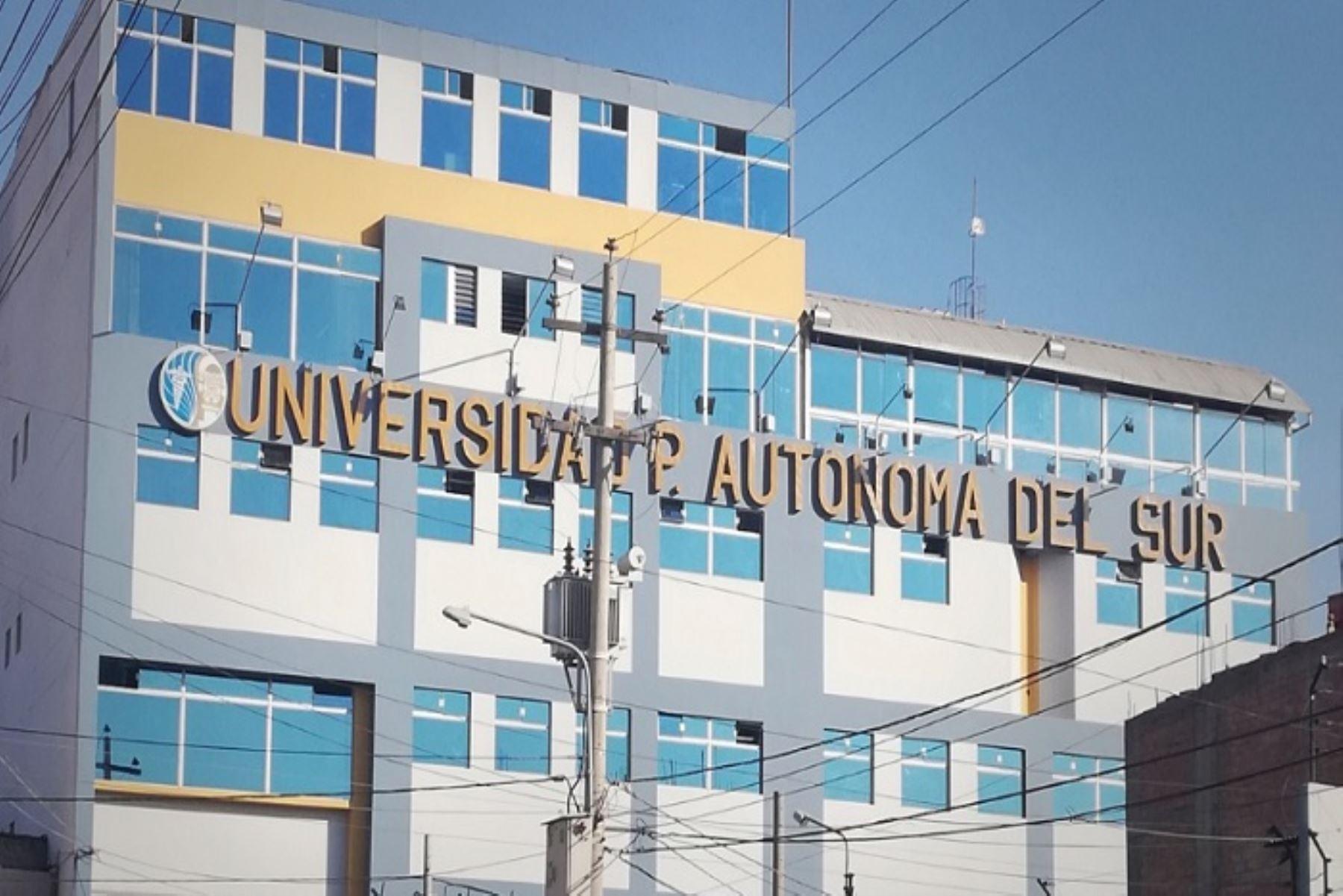 La Universidad Privada Autónoma del Sur, con sede en Arequipa, no podrá admitir nuevos estudiantes bajo ninguna modalidad y deberá iniciar un proceso ordenado de cese de actividades.