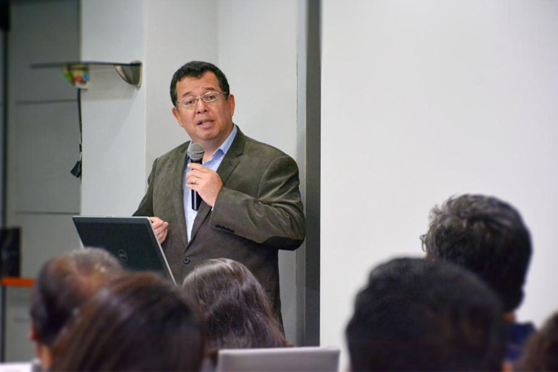 Mirko Zimic,  jefe del Laboratorio de Bioinformática y Biología Molecular de la Universidad Peruana Cayetano Heredia, explicó a la Agencia Andina  que este proyecto se encuentra en la segunda etapa de investigación