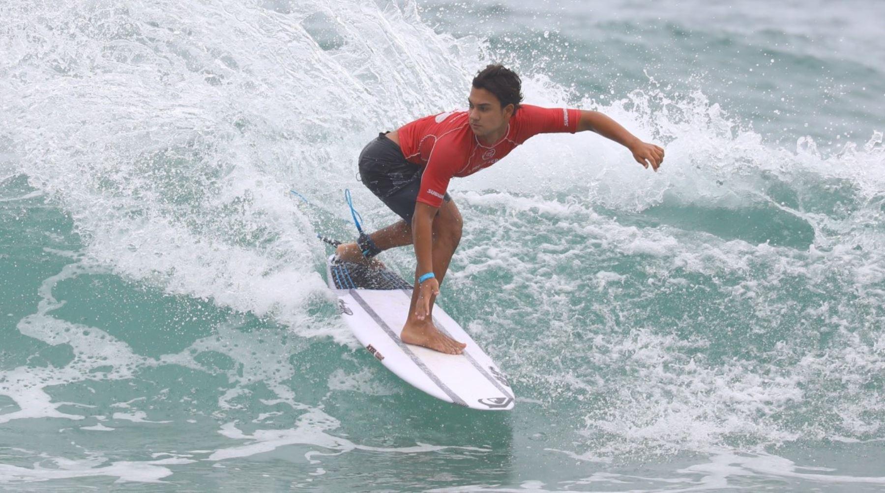 Peruano Raúl Ríos busca en Máncora la corona sudamericana de surf - Agencia Andina