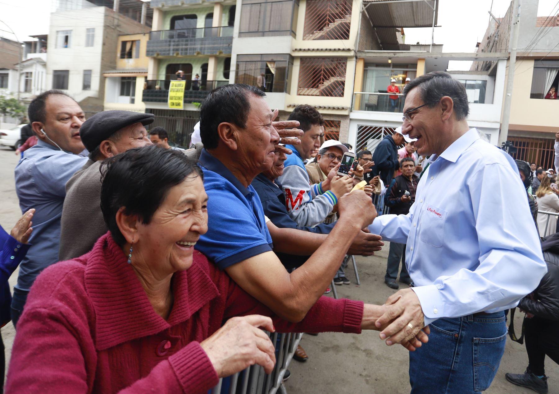 Presidente Vizcarra, participa de la ceremonia de conexión de gas natural para el usuario 900,000 de Lima y Callao, en el distrito de Carabayllo. Foto: ANDINA/ Prensa Presidencia