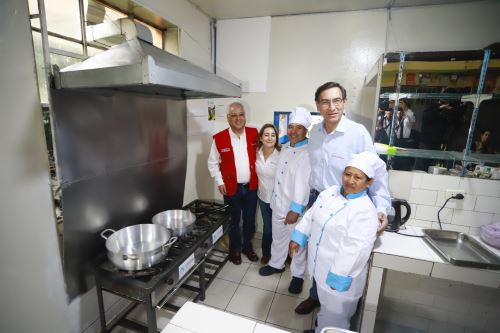 Ceremonia de conexión de gas natural para el usuario 900,000 de Lima y Callao, en el distrito de Carabayllo