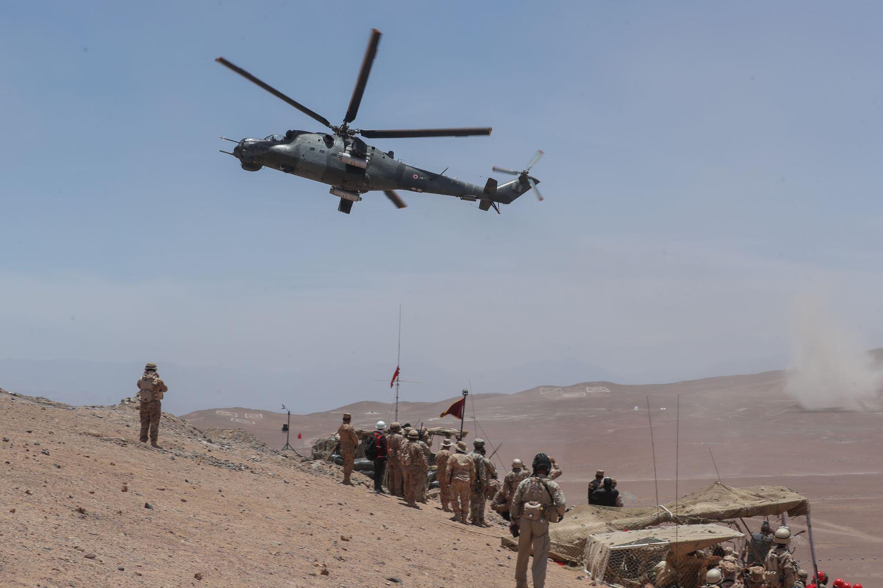 En el campo de maniobras Trelles en Locumba, el ministro de Defensa, supervisó el desarrollo del ejercicio conjunto Escudo II, donde se demostró la capacidad operacional de las FF.AA. Foto: ANDINA/ MINDEF