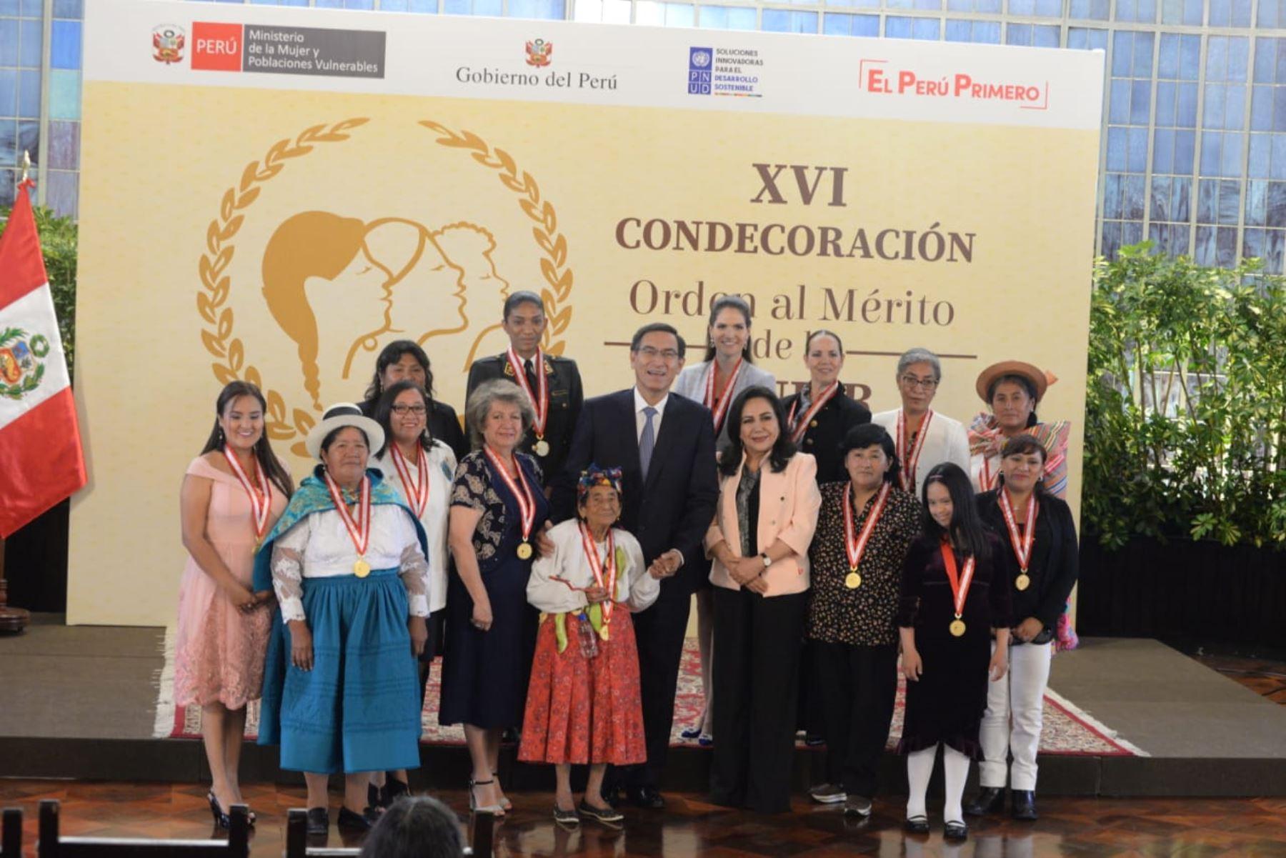 Desde el 2003, más de 300 mujeres han sido galardonadas con el máximo reconocimiento que entrega el Estado por su contribución a la sociedad. Foto: MIMP