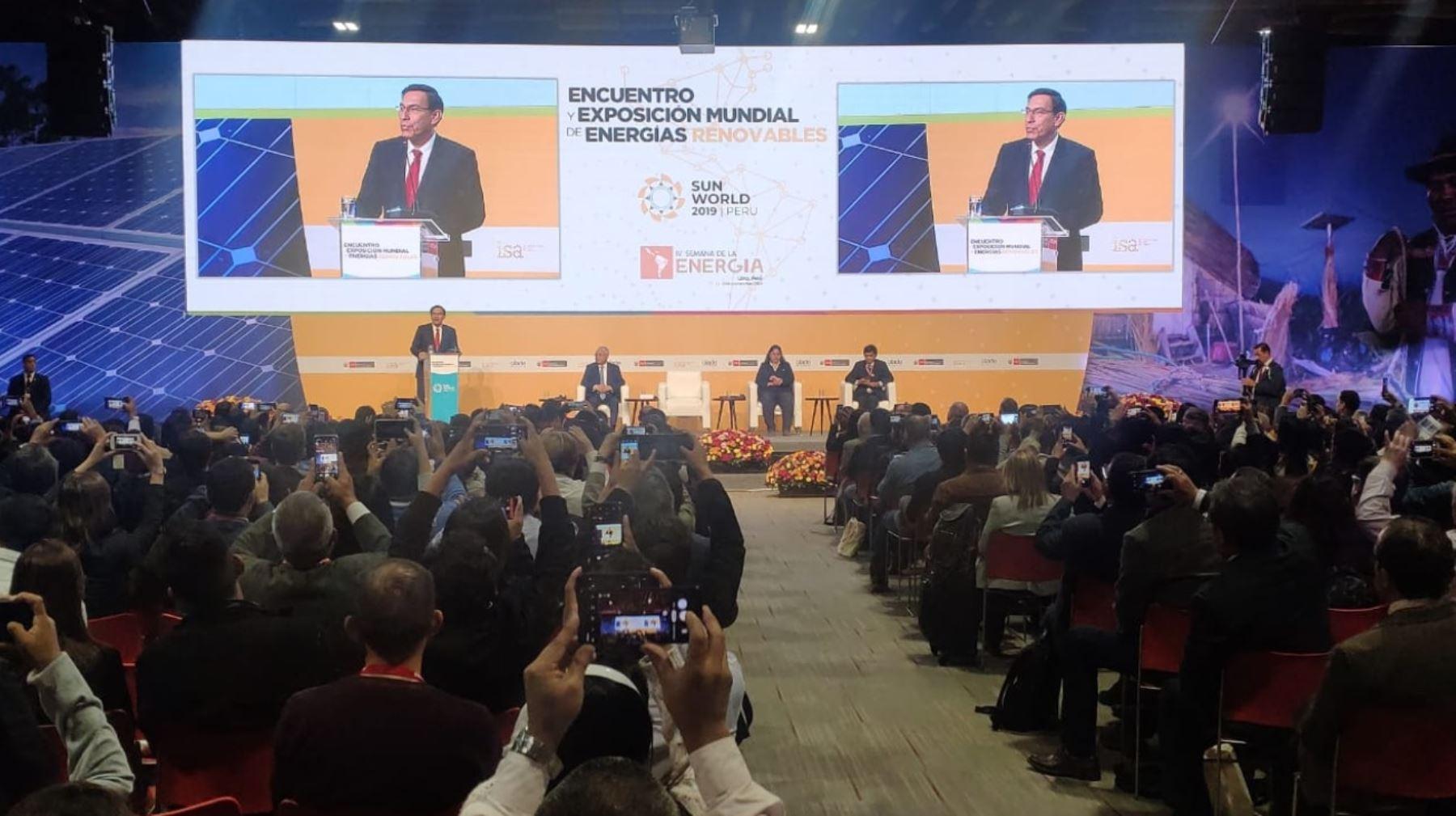 Presidente Martín Vizcarra participa en la clausura del Sun World 2019 Perú – Encuentro y Exposición Mundial de Energías Renovables.