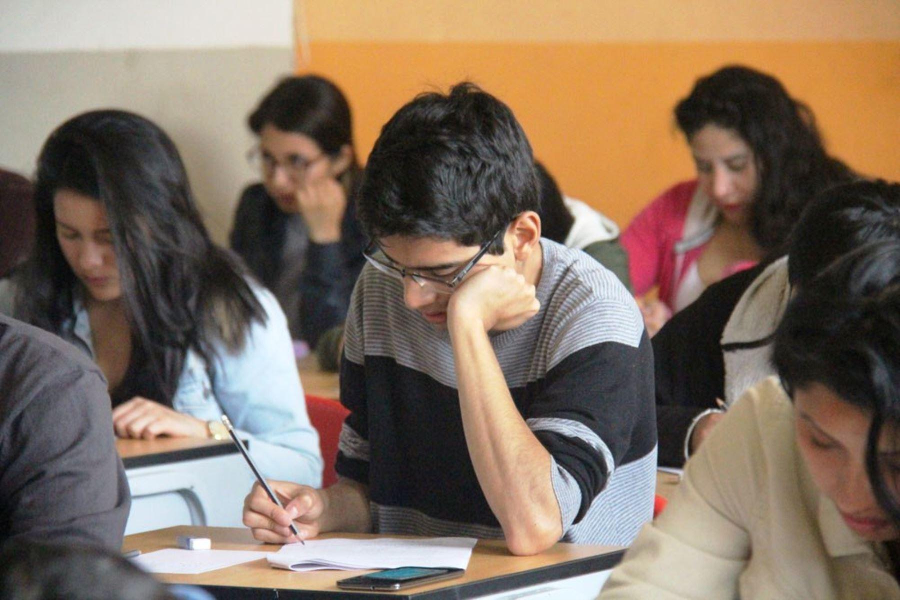 """""""Hay una evidente falta de oferta universitaria"""", informó el representante del Ministerio de Educación. Foto: ANDINA/Difusión"""