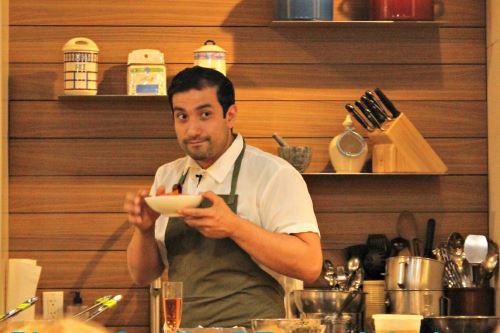 Chef de origen peruano Erik Ramírez. Foto: Internet/medios.