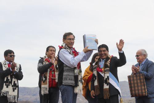 Presidente Vizcarra presenta Proyecto de Tratamiento de Aguas Residuales del Titicaca