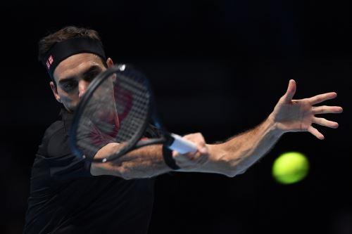 Tsitsipas vence a Federer en vibrante partido de Tenis por el Master ATP de Londres