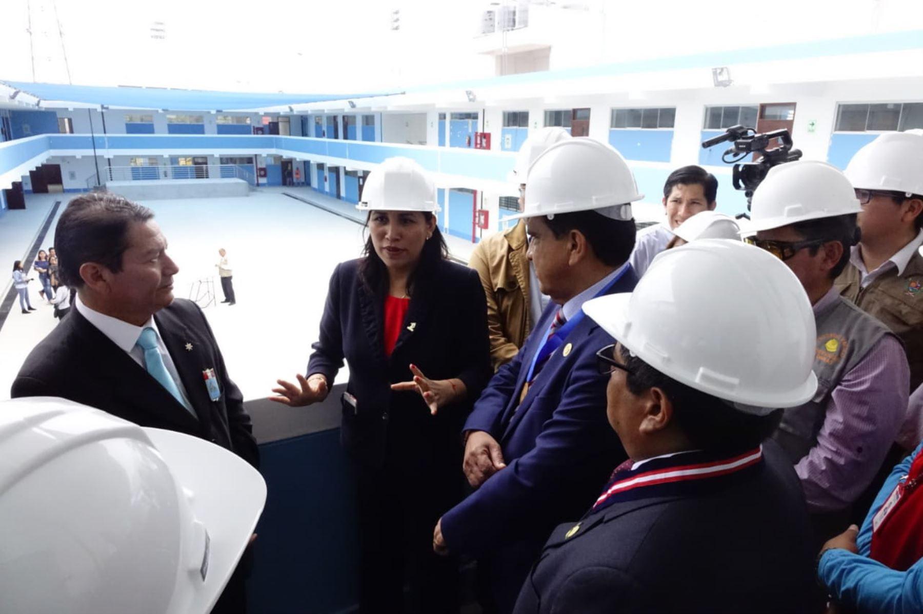 La ministra de Educación, Flor Pablo, cumplió agenda de trabajo en la ciudad de Trujillo, región La Libertad.