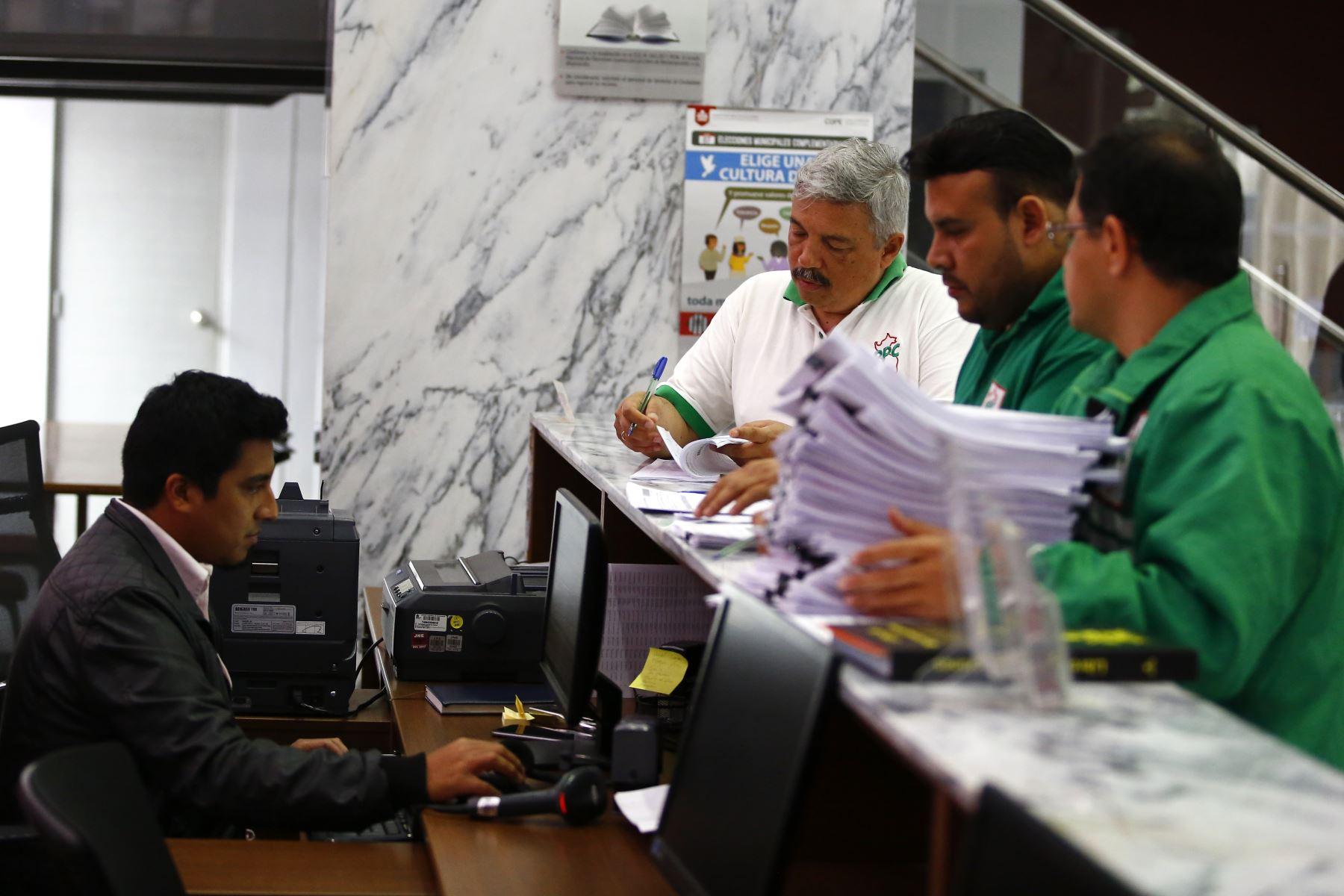 PPC solicita inscripción de lista de candidatos al Congreso para elecciones parlamentarias 2020.