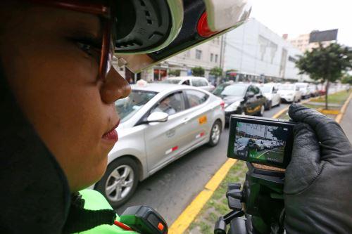 """Fiscalización electrónica con cámaras de vigilancia para detectar y sancionar a los vehículos que invadan los carriles """"Solo Bus"""""""