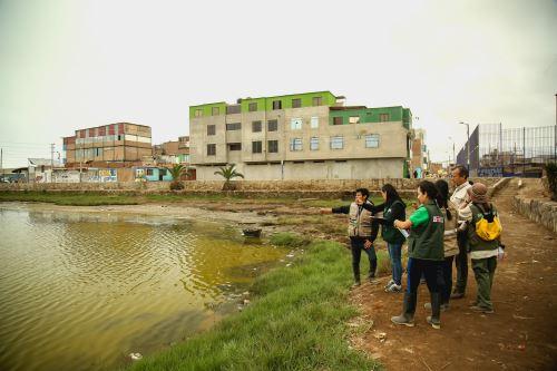 Con drones identifican fuentes contaminantes que afectan al Refugio de Vida Silvestre Los Pantanos de Villa, ubicado en Lima.