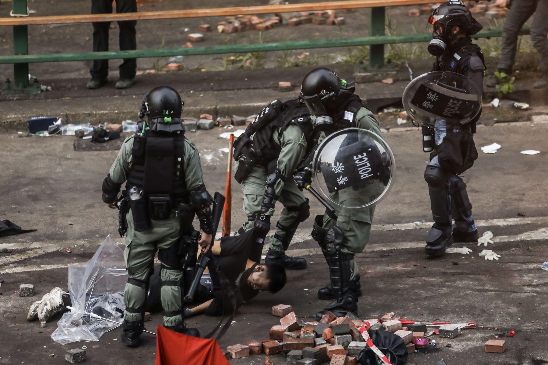 Alrededor de 60 personas fueron arrestadas en el Museo de Ciencia, cerca del campus universitario, según informó la emisora RTHK. Foto: AFP