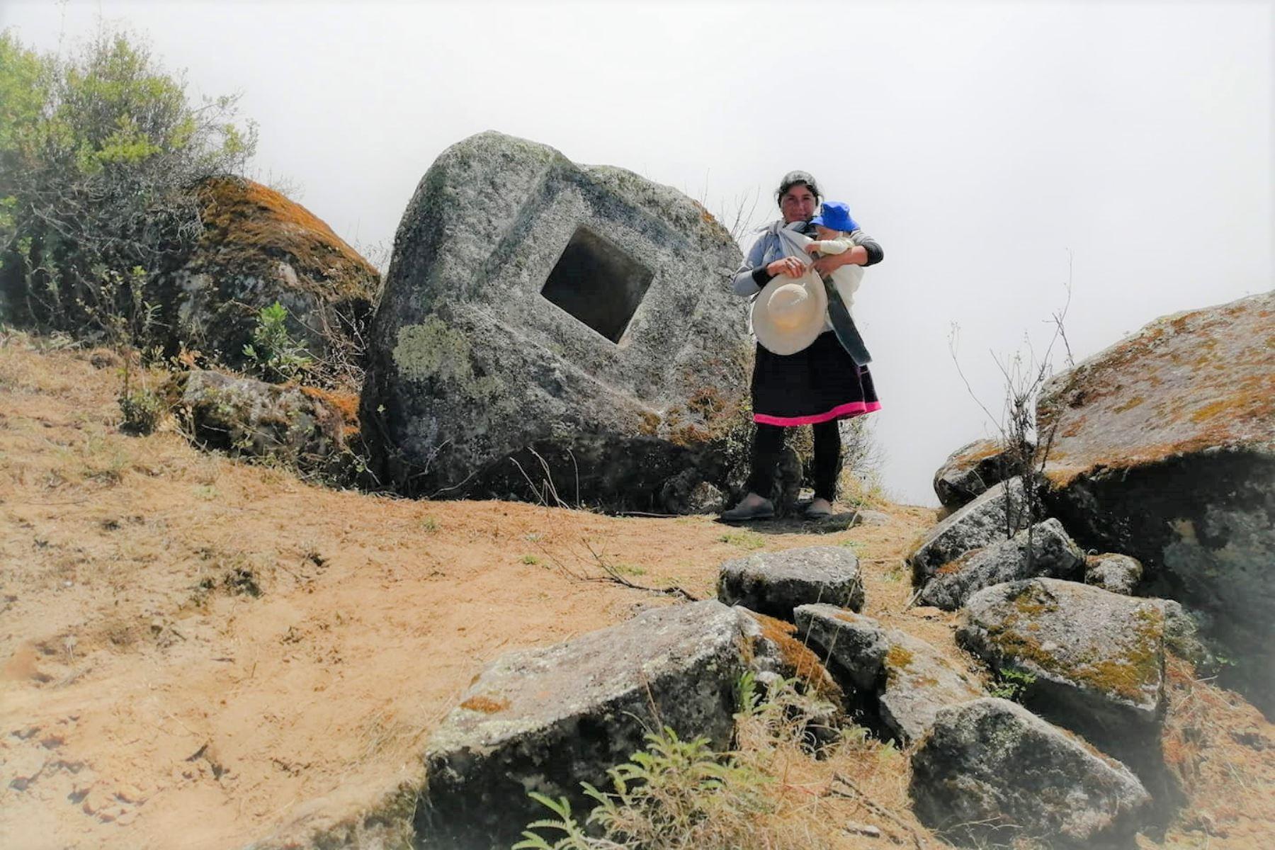 Conoce las impresionantes cajas de piedra talladas hace miles de años en la sierra de Áncash. Foto: Cortesía Antonio Castillo