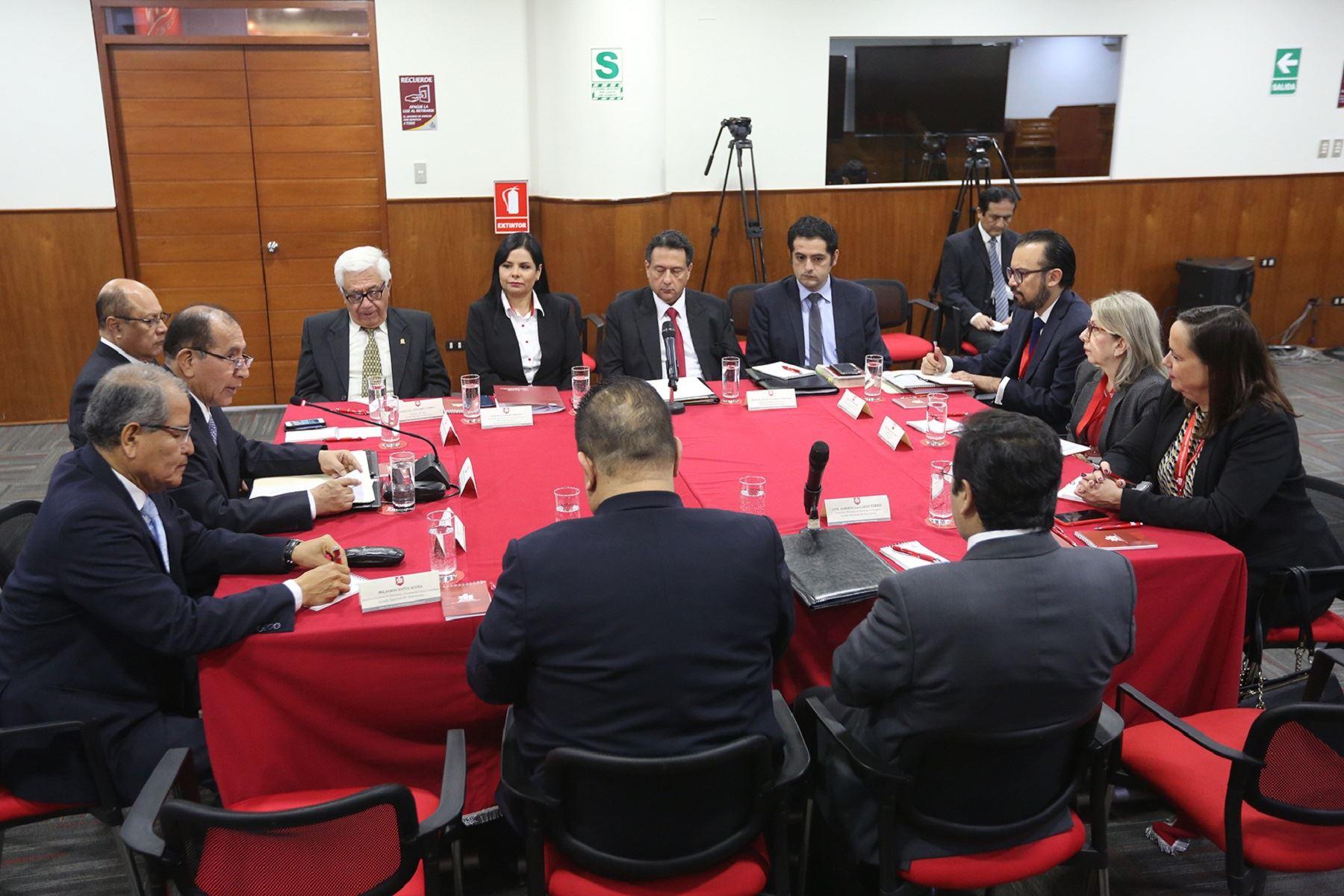 Reunión del JNE con integrantes de la misión de observación electoral de avanzada de la Unión Interamericana de Organismos Electorales (Uniore) Foto: Difusión