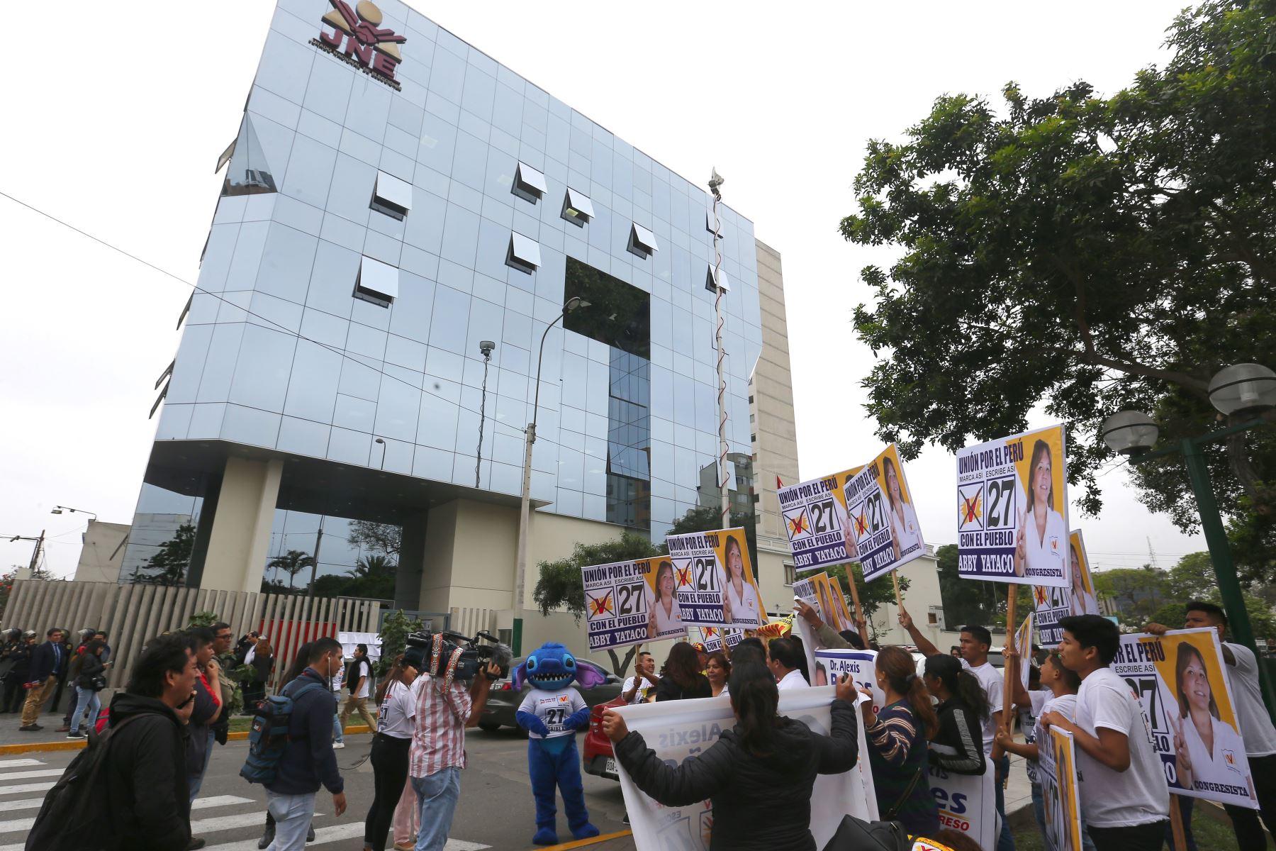 Jurado Nacional de Elecciones recibe listas de  agrupaciones y partidos  que participaran de próximas elecciones de enero del 2020 . Foto: Héctor Vinces