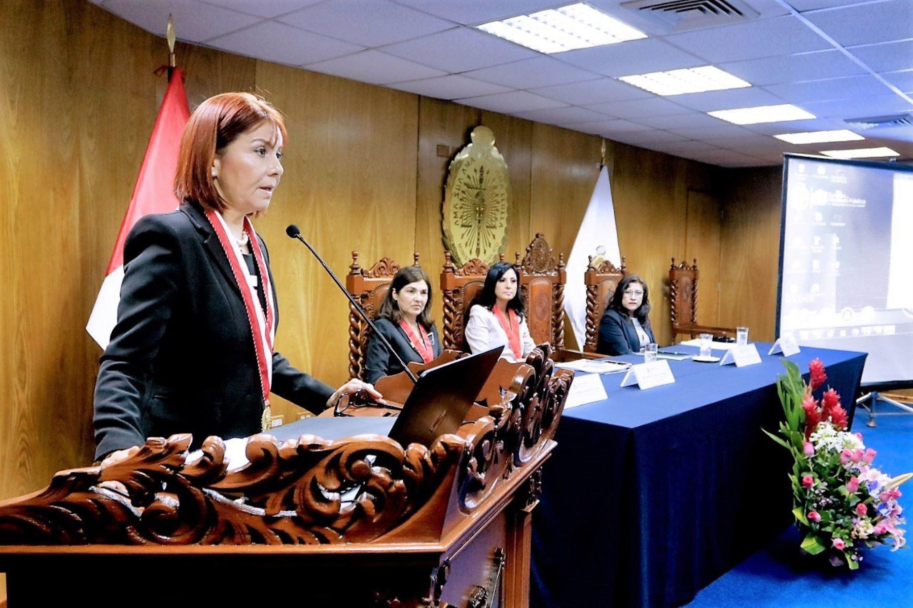 Fiscal Sokolich inauguró congreso de fiscales para mejorar la atención de los casos de violencia contra la mujer.