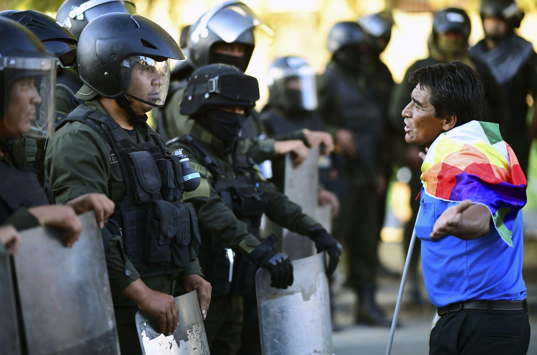 Partidarios del ex presidente boliviano Evo Morales, protestan contra el gobierno interino en La Paz. Foto: AFP