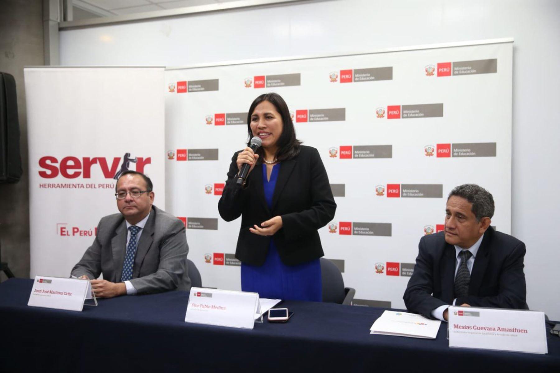 Firman convenio para incorporar  gerentes públicos a gobiernos regionales. Foto: Andina/Difusión