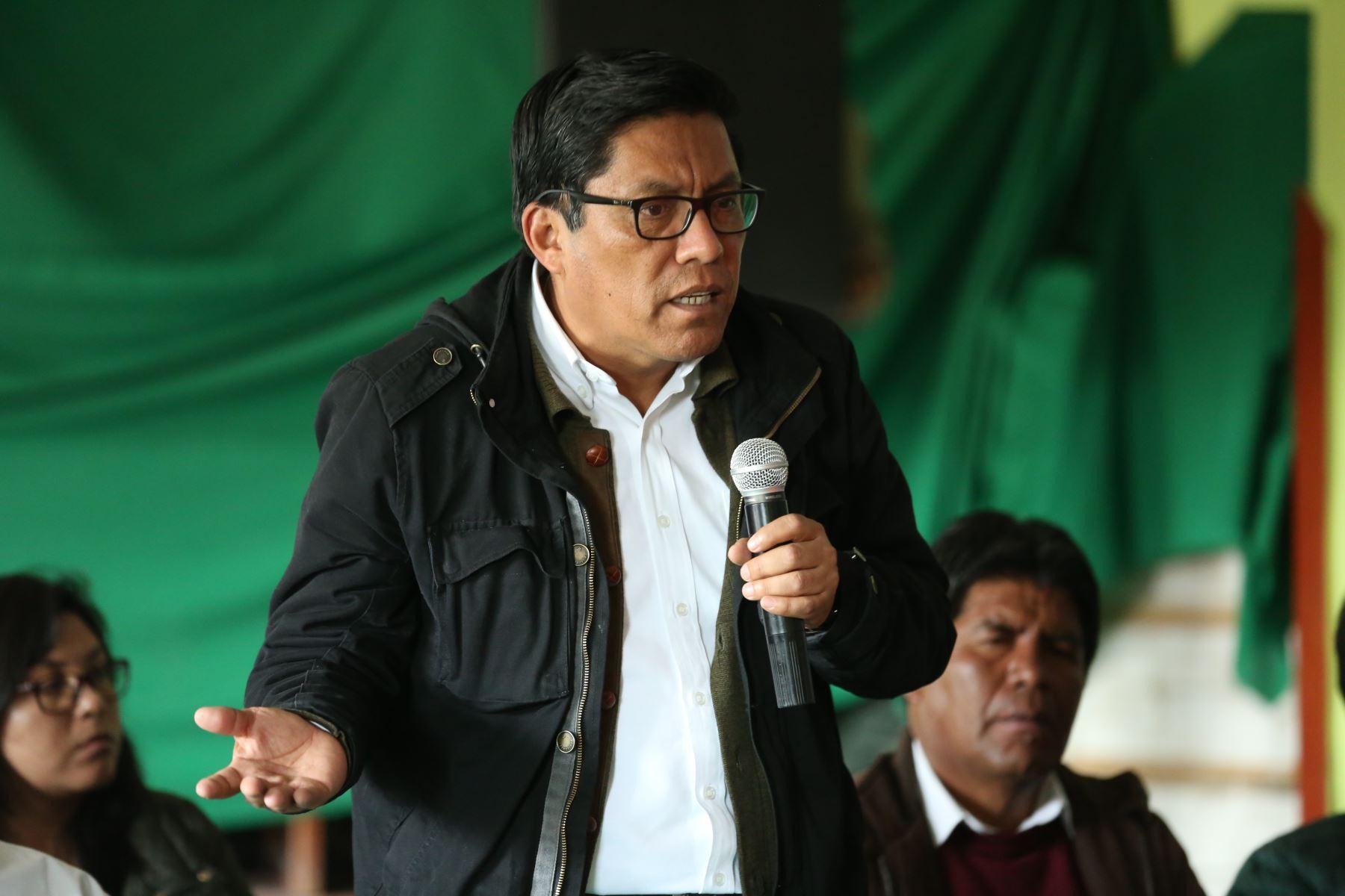 El presidente del Consejo de Minsitros se reúne con Pobladores del Centro Poblado Tintaya Marquiri  junto a dirigentes de 13 comunidades campesinas del área de influencia directa de la unidad minera Antapaccay Foto: PCM