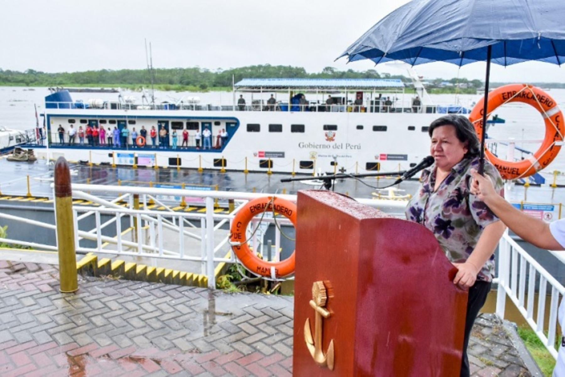 La ministra de Desarrolo de Inclusión Sovial, Ariela Luna, encabezó en Loreto la ceremonia de zarpe de las plataformas itinerantes de acción social.