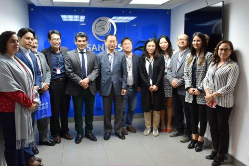 Funcionarios de la República de Corea visitaron al presidente de Sanipes en el marco del proyecto para la creación del futuro Centro de Investigación, Desarrollo e Innovación para la acuicultura marina en el Perú.
