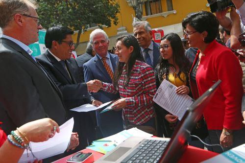 "Iniciativa ""Chapa tu Chamba"" acerca oferta laboral a jóvenes"