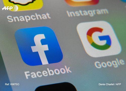 Amnistía Internacional publicó un reporte analizando el modelo de negocio de Facebook y Google. Foto: AFP