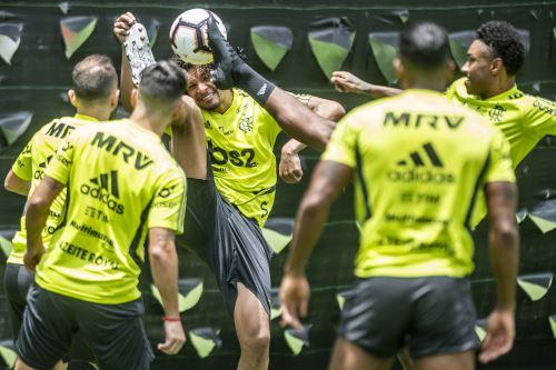 Entrenamiento del Flamengo en Lima para la final de la Copa Libertadores