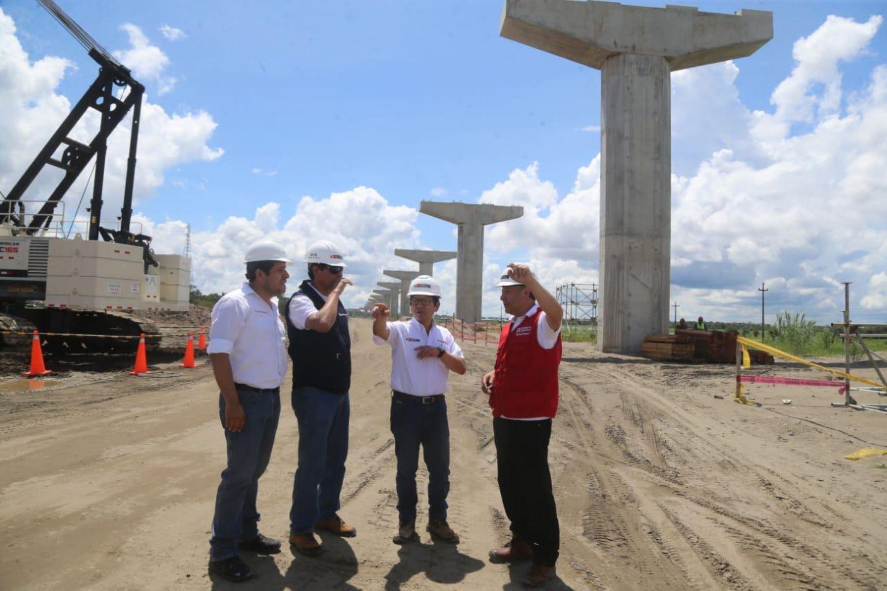 El titular del MTC, Edmer Trujillo, cumplió visita de trabajo en la ciudad de Iquitos, capital de la región Loreto,