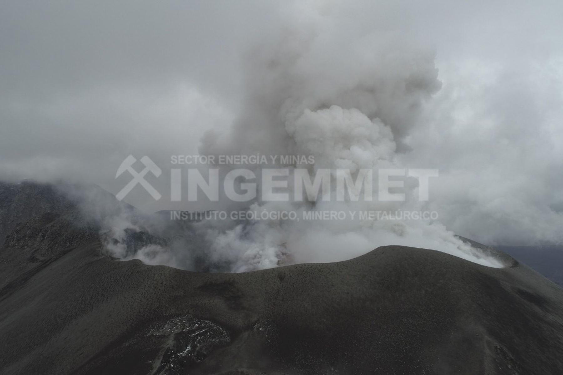 El volcán Sabancaya, ubicado en la región Arequipa, empezó su proceso eruptivo hace más de tres años. Foto: ANDINA/Difusión