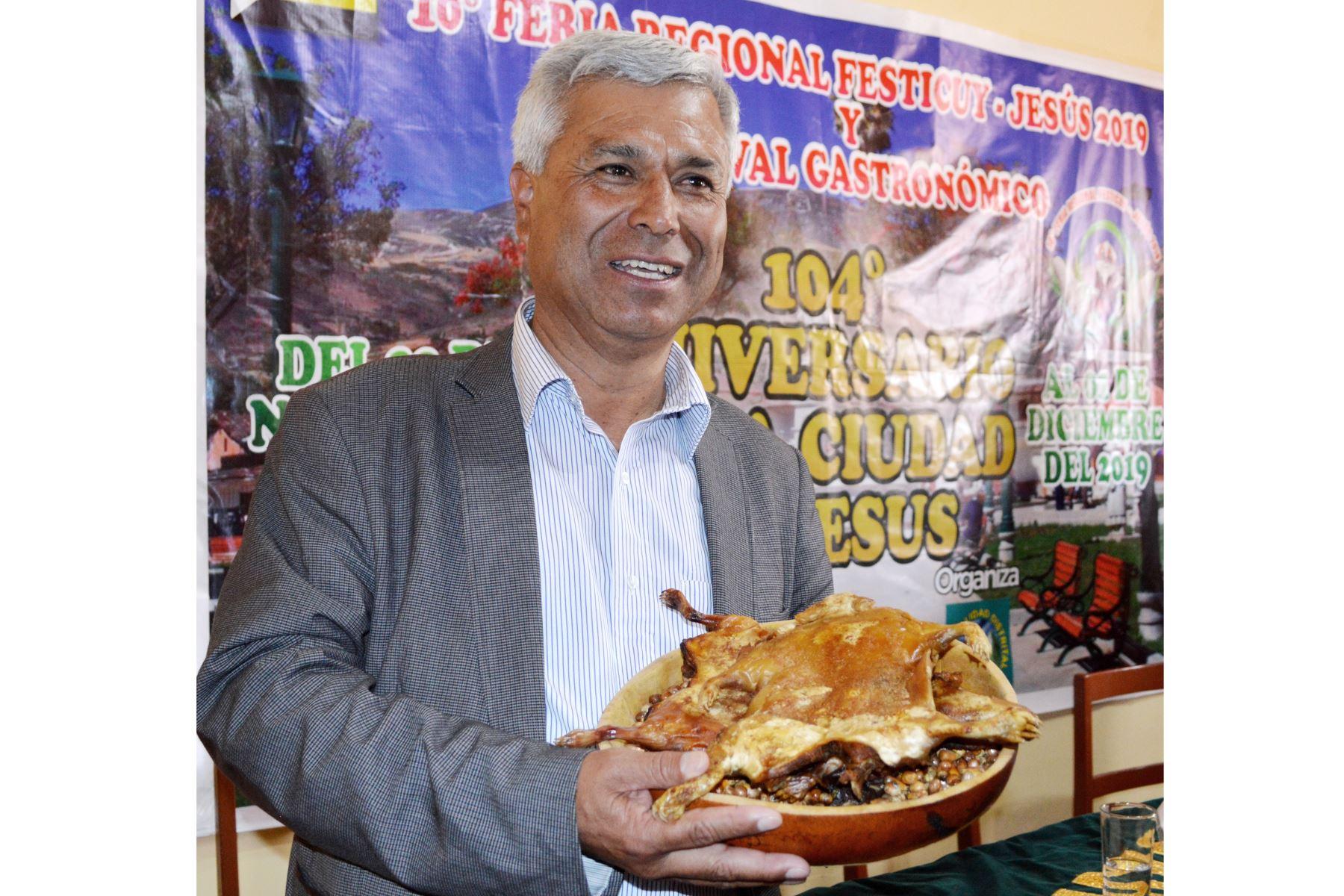 El alcalde distrital de Jesús (Cajamarca), Marco Ruiz Ortiz, invitó a participar en el X Festival del Cuy, que se desarrollará este fin de semana. Foto: Cortesía/Eduard Lozano Julca