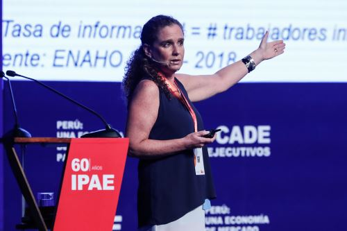 Presidenta de la BVL, Claudia Cooper.Foto:  ANDINA/Renato Pajuelo.