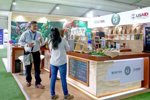Cafetaleros de de Tarapoto (San Martín), Pichari (Junín) y Putina Punco (Puno) explican el proceso del cultivo en CADE 2019.