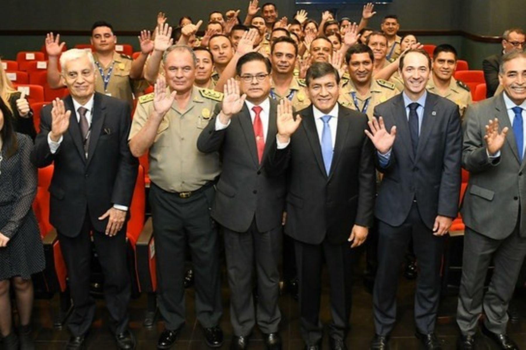 Ganadores de las mejores comisarías. Foto: MININTER