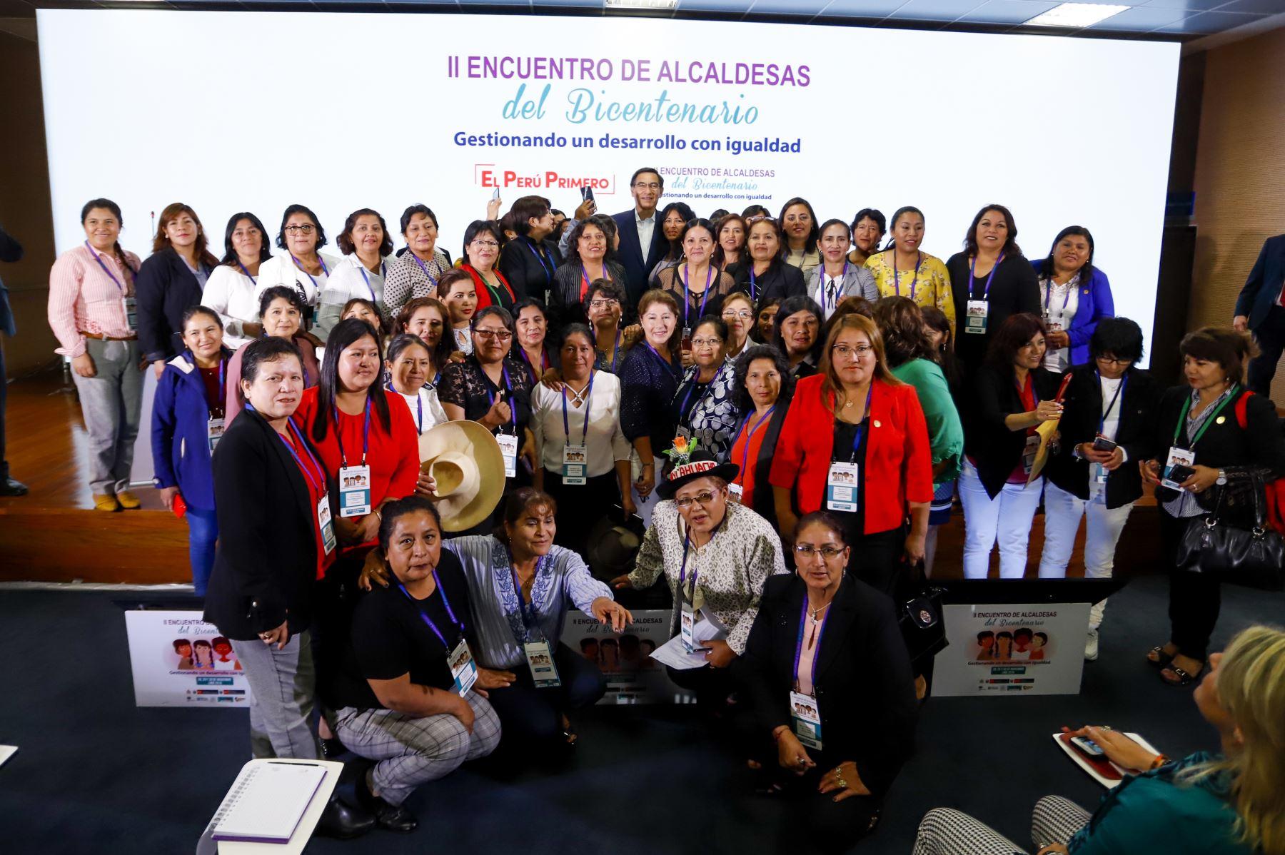 Presidente de la República participó en el II Encuentro de Alcaldesas del Bicentenario: Gestionando un Desarrollo con Igualdad de Género. Foto: ANDINA/Prensa Presidencia.