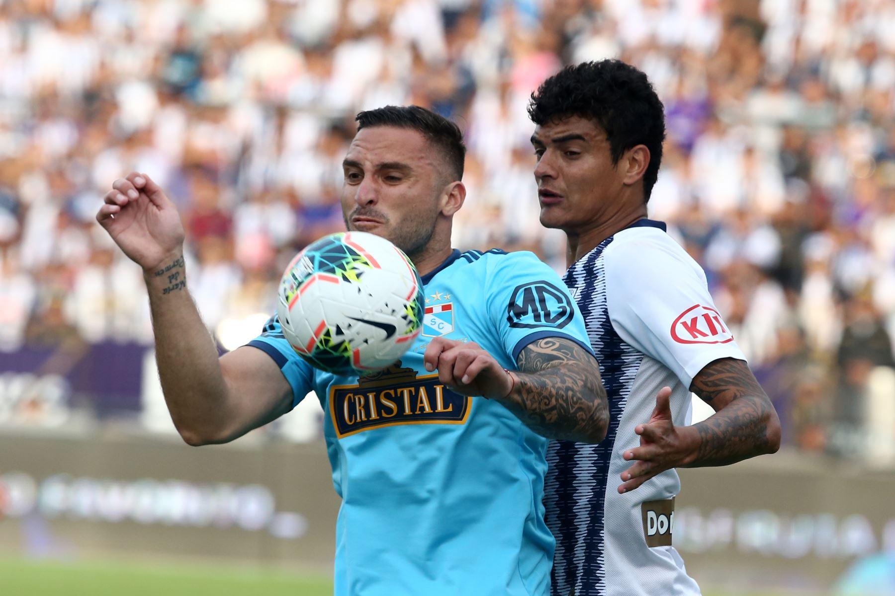 Alianza Lima derrotó 1-0 a Cristal por la semifinal de ida en Matute. Foto: ANDINA/Vidal Tarqui