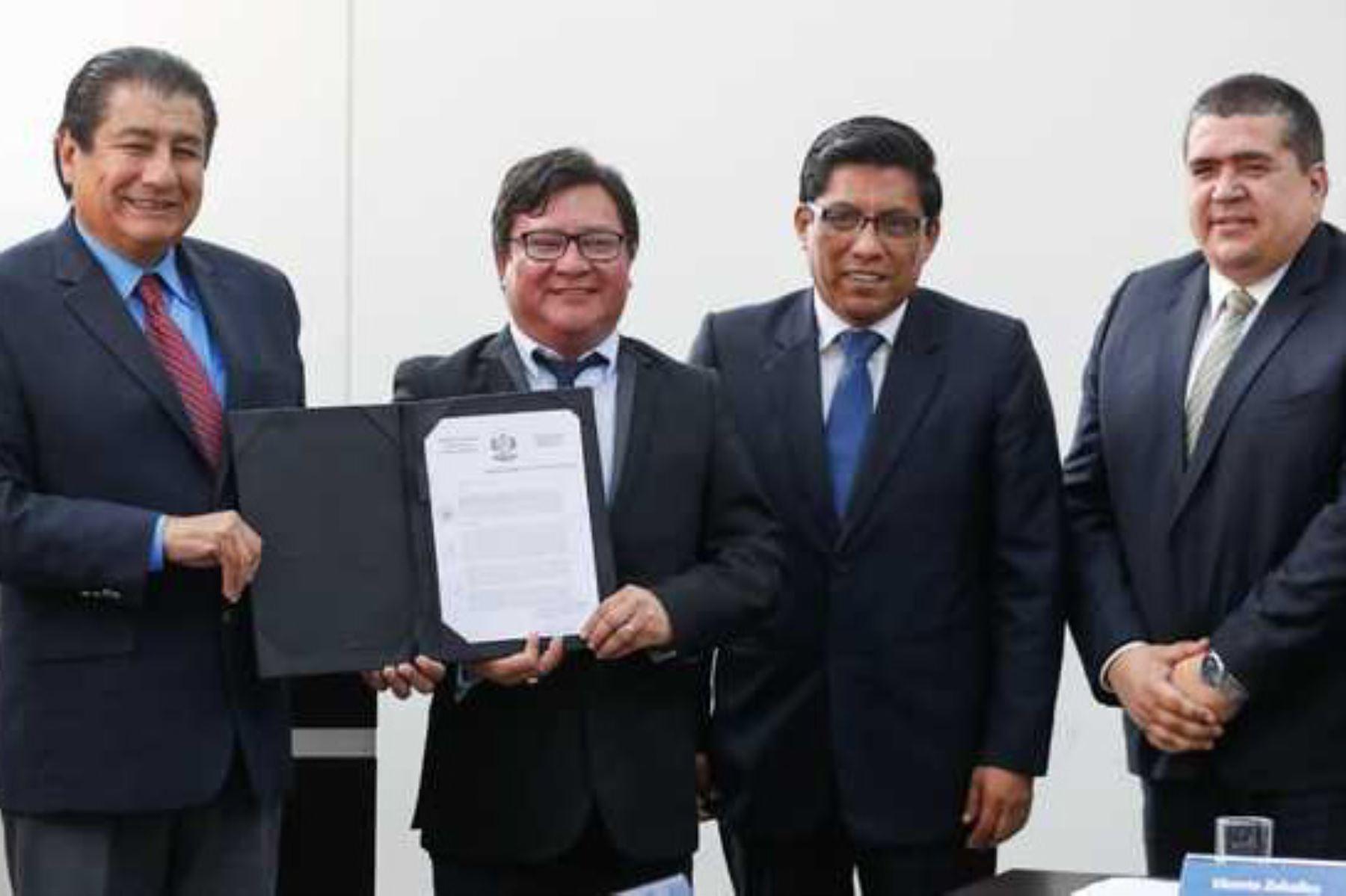 El titular del MVCS, Rodolfo Yáñez, participó junto al jefe del Gabinete, Vicente Zeballos, en Encuentro de la Mancomunidad Municipal de Lima Norte.