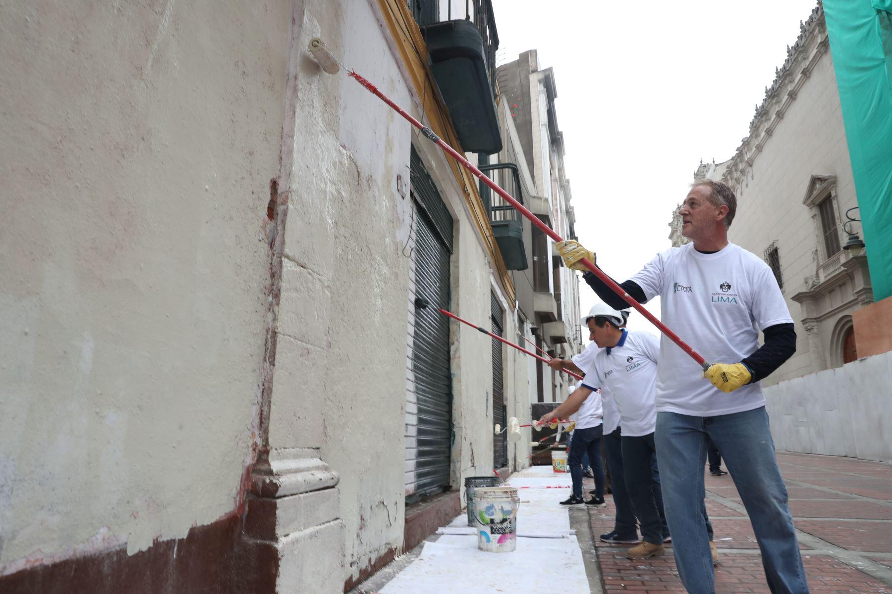 Alcalde de Lima, Jorge Muñoz lidera operativo de limpieza y salud pública en calles de Lima. Foto: ANDINA/Melina Mejía