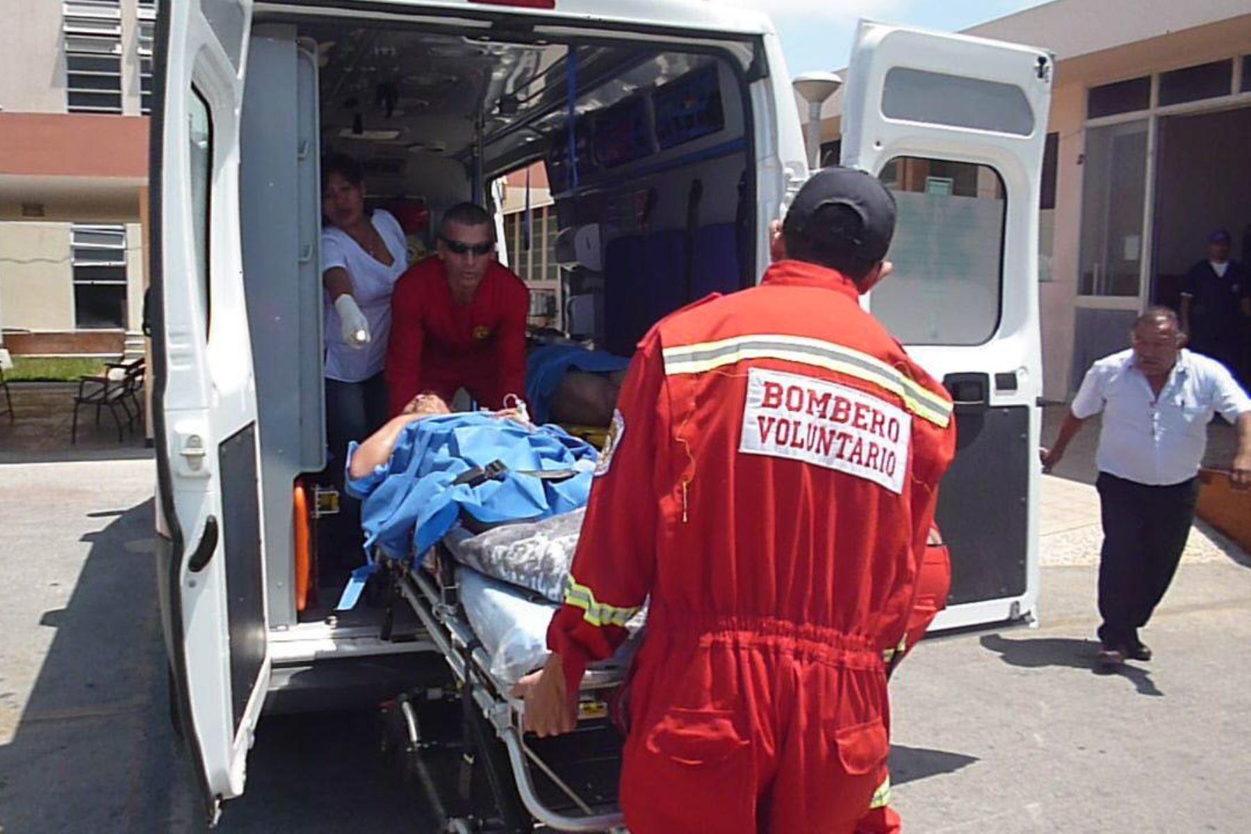 Choque entre un bus y un auto particular deja un muerto en Nuevo Chimbote, en Áncash.