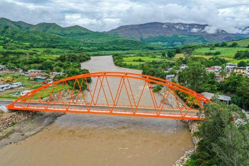 Presidente Vizcarra supervisa puesta en servicio del puente Chinchipe