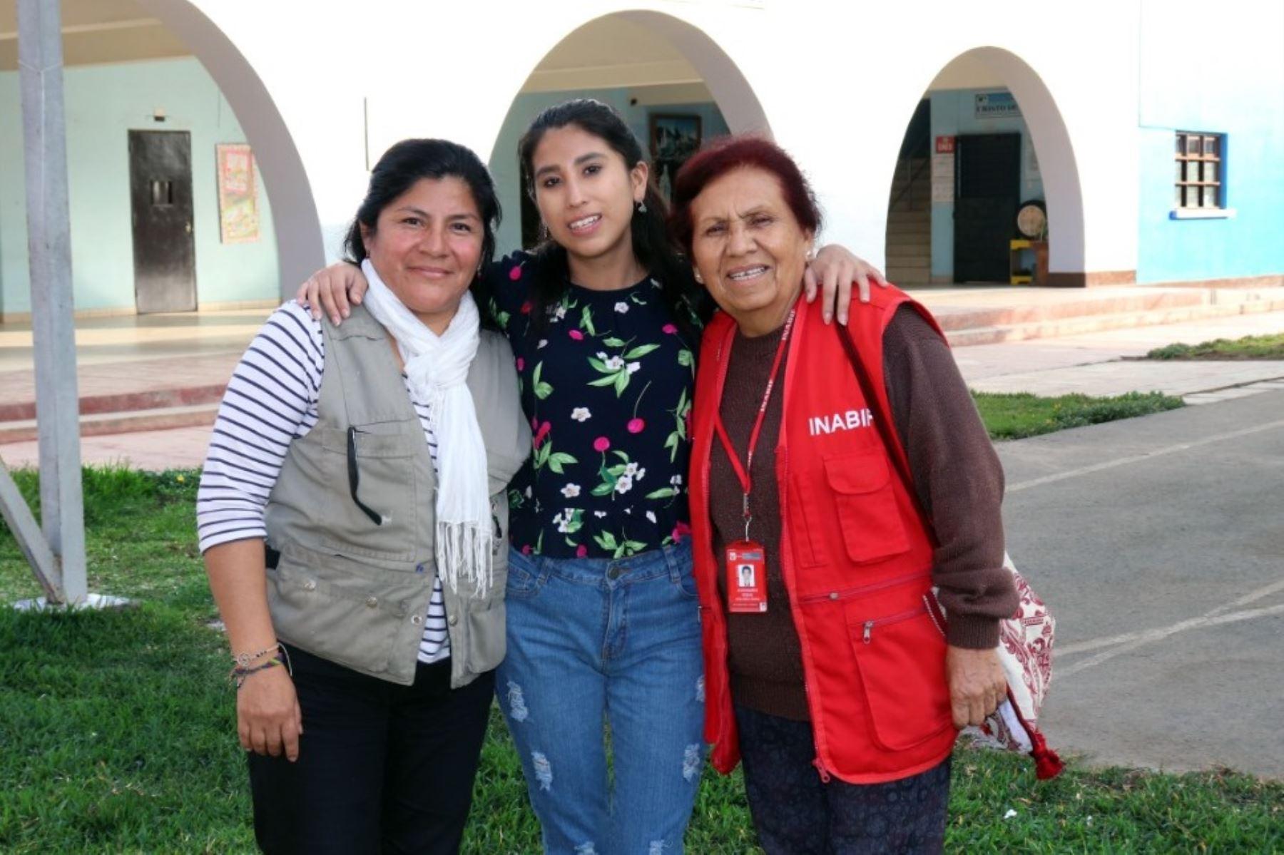 ¡Perseverancia! Exresidente del MIMP de graduó en Colegio de Alto Rendimiento. Foto: ANDINA/Difusión.