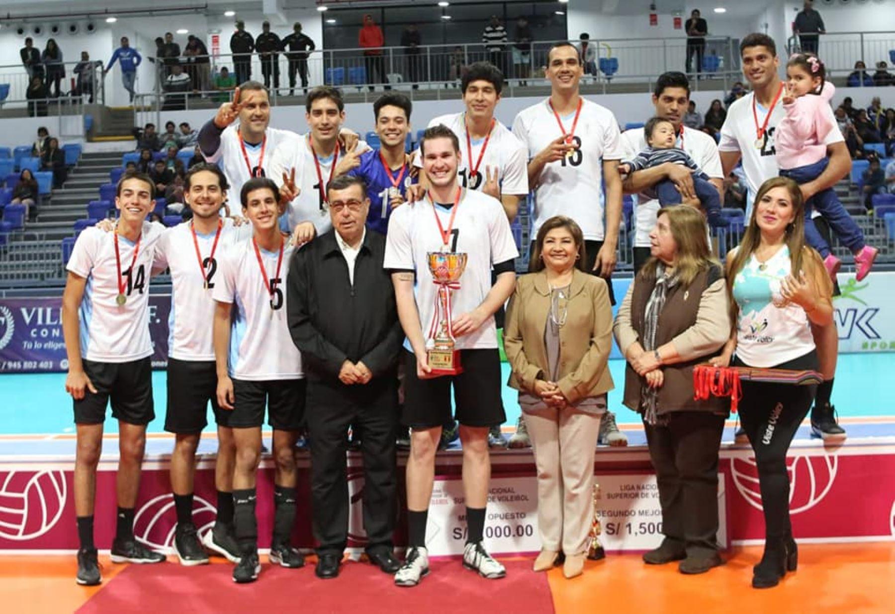 El Club Regatas Lima de proclamó campeón por segunda vez de la  Liga Nacional Superior de Voleibol Masculino 2019